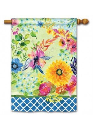 Fresh and Pretty Floral House Flag | Floral Flags | Spring Flags | Yard Flag