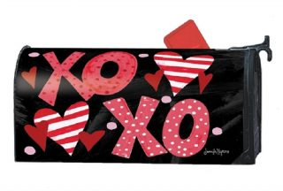 Hugs & Kisses Mailbox Cover | Mailbox Covers | Decorative Mailwraps
